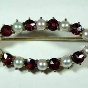 8ct Garnet Pearl Brooch
